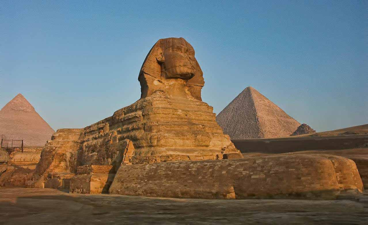 Gizaa pyramids Egyptian Museum