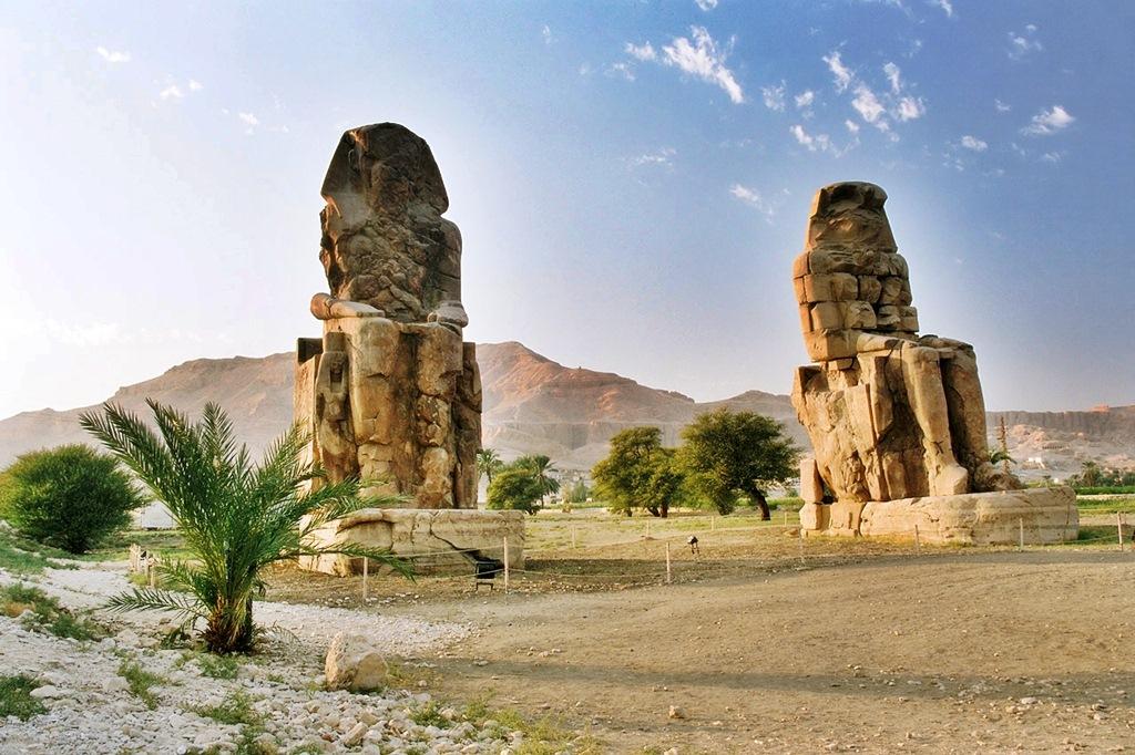 Colossi of Memnon, Luxor, Deluxe Tours Egypt