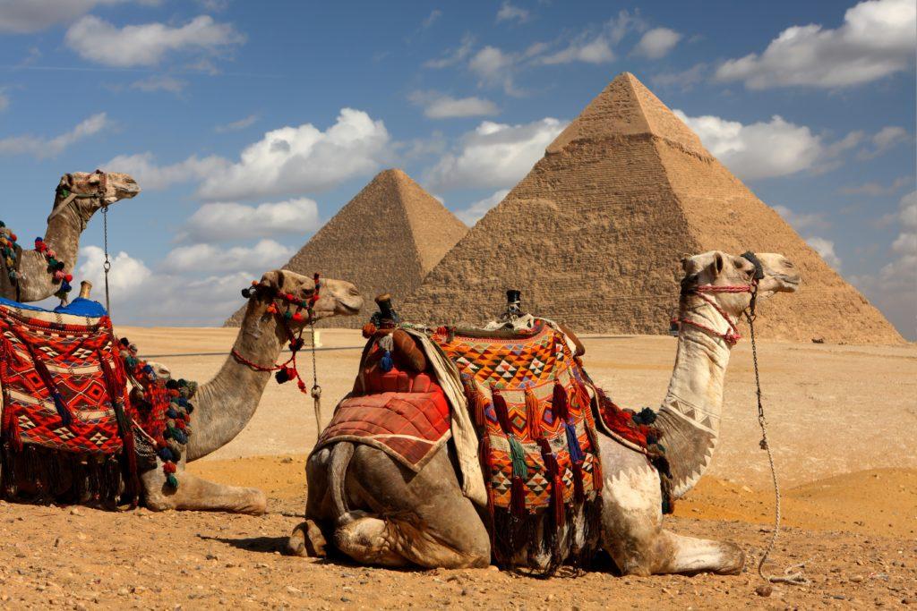 Pyramids tour, Deluxe Tours Egypt