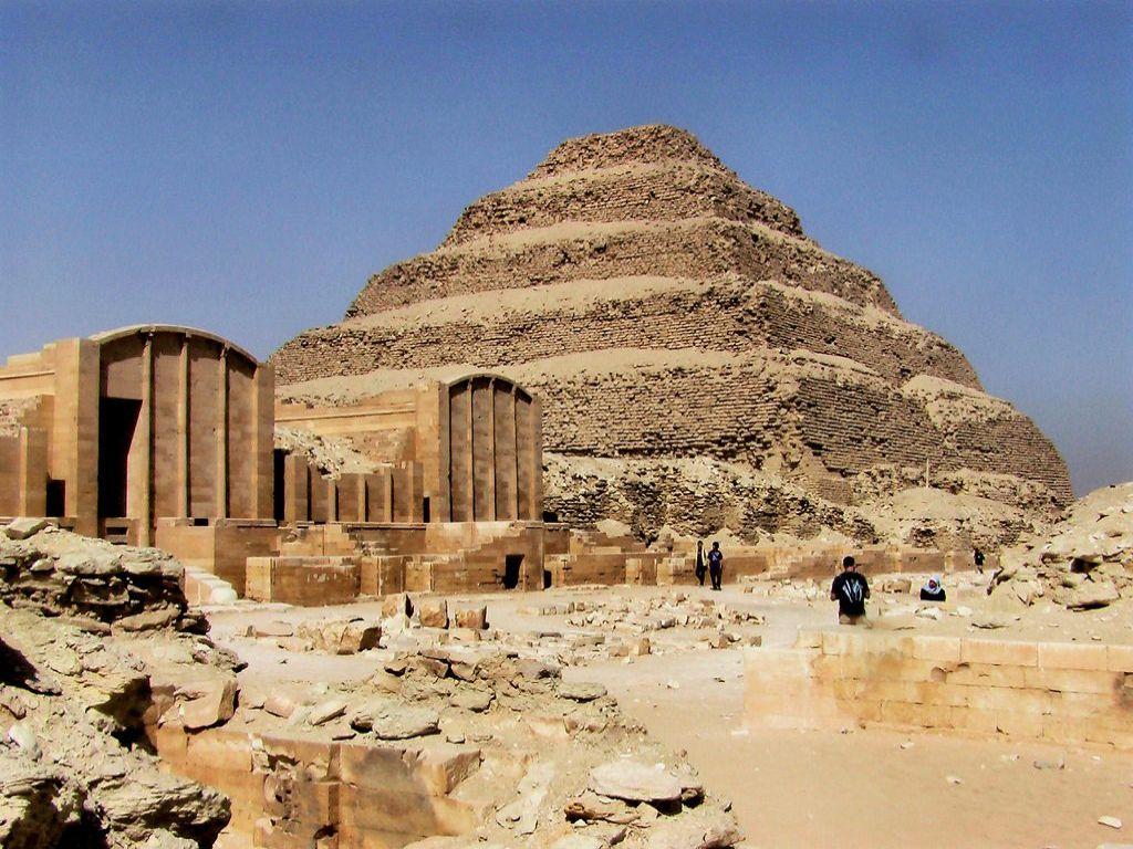 Cairo layover tour Ptramids Memphis Sakkara