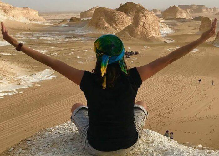 white desert tour, trip to white desert egypt, white desert tour from Cairo, Deluxe Tours Egypt, desert safari Egypt, white desert camping