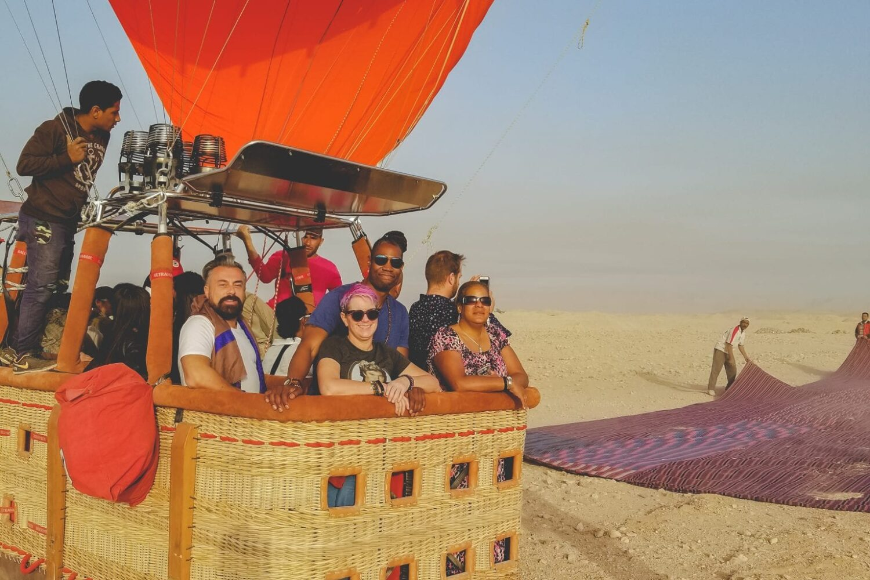 Hot air balloon in luxor, balloon ride Egypt. Luxor balloon ride, deluxe tours egypt, deluxe travel egypt