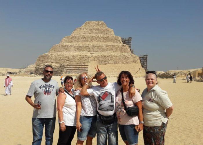 Private guided tour Pyramids of Giza Dahshur Memphis sakkara